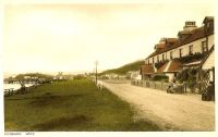 Circa 1930. The Kings Arms Hotel (note cow grazing in front).