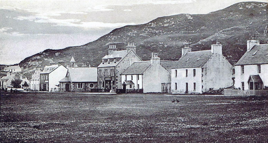 Kyleakin village in 1900s - Please hover to see present day.