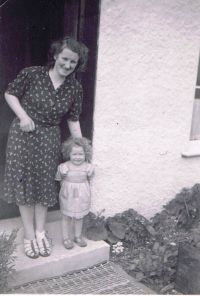 Circa 1949 – Outside ? in Kyleakin Ethel Robertson and Ruth Soper